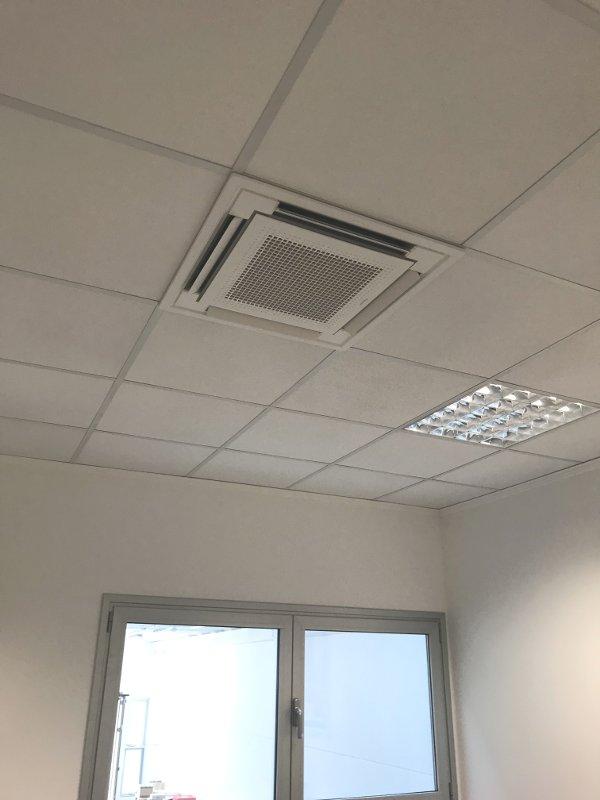 Impianto climatizzazione industriale con unità a cassetta